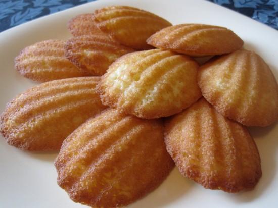 As madeleines parecem ter nascido para casar com um bom café ou chocolate quente