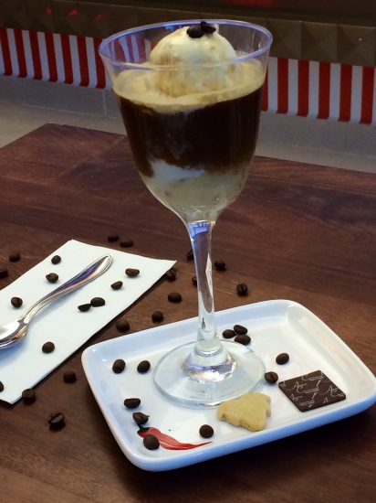 Uma das bebidas é o Afogatto. Mas o meu é muito especial, diferente do que vemos por aí!