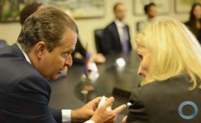 Boeing e governo do estado de Pernambuco firmam parceria