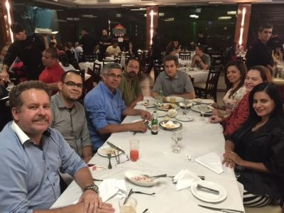 Momento de networking e descontração no Encontro Informal da RedePetro Pernambuco