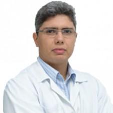 Dr. Érico Roberto Reis